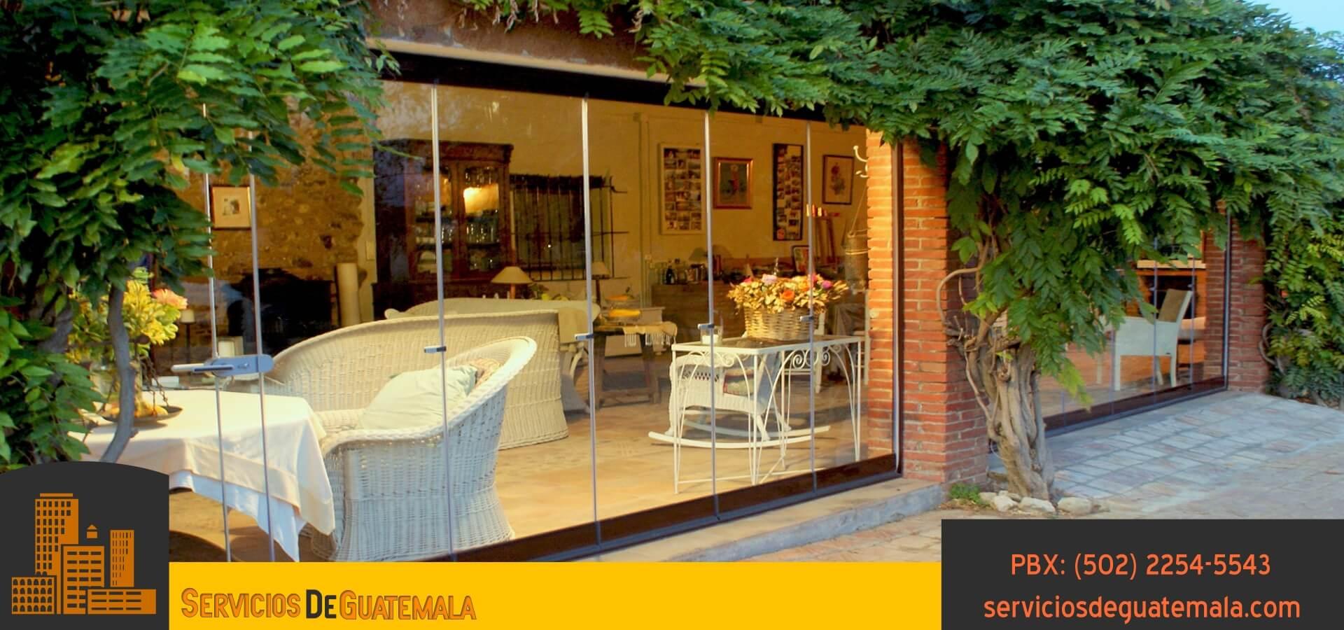 Vidrieria_en_Oficinas_residencias_casas_ventanas_puertas_espejos_mesas_vidrios_exhibidores_armarios_aluminios_en_guatemala_servicios_de_guatemala